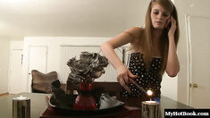 Faye Reagan is just 18 years old but she definitely knows how to