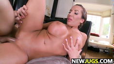 Richelle Ryan Gets Her Fat Pussy fucked