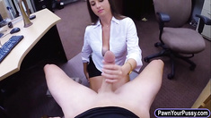 Big ass amateur babe pawns her coochie