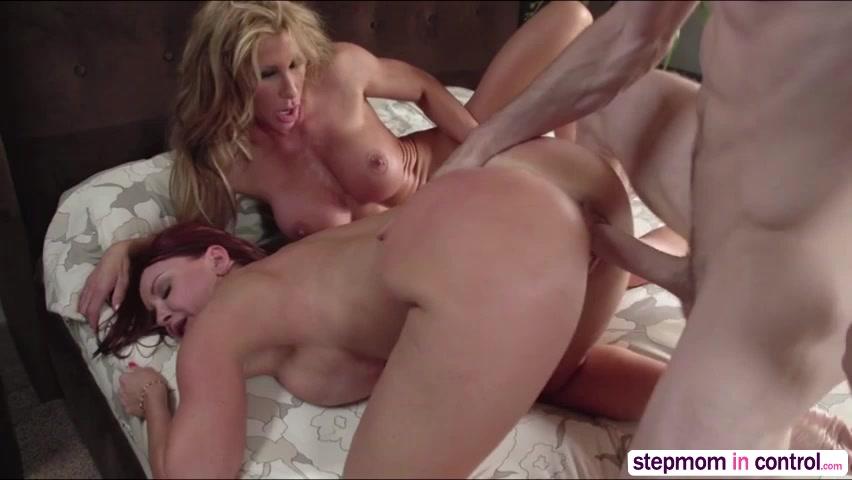 Erotic amateur threesome video