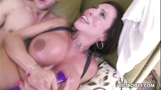 Juicy ass and giant boobs milf gets multiple orgasms