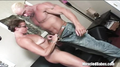 Muscle Man Meets Hot Muscle Babe