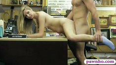 Amateur babe pawns her pussy and fucked by nasty pawn keeper